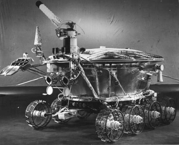 Why were lunar rovers chosen to clean up Chernobyl?